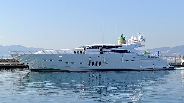 phoenician-motor-yacht-italyyachts-2013-34m-profile