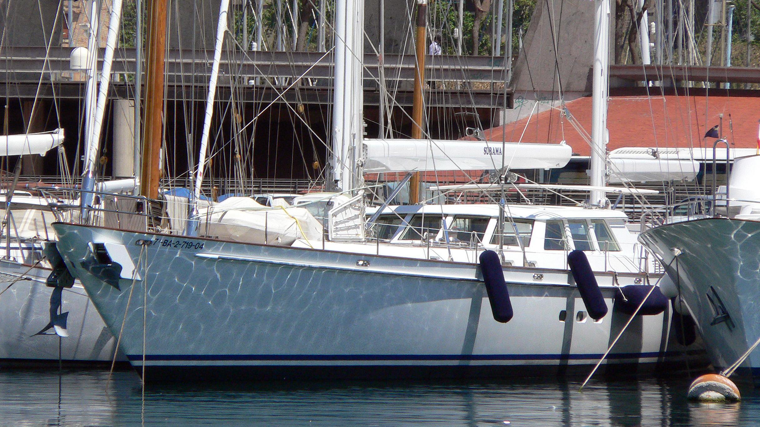 surama-sailing-yacht-royal-huisman-1997-41m-half-profile-before-refit