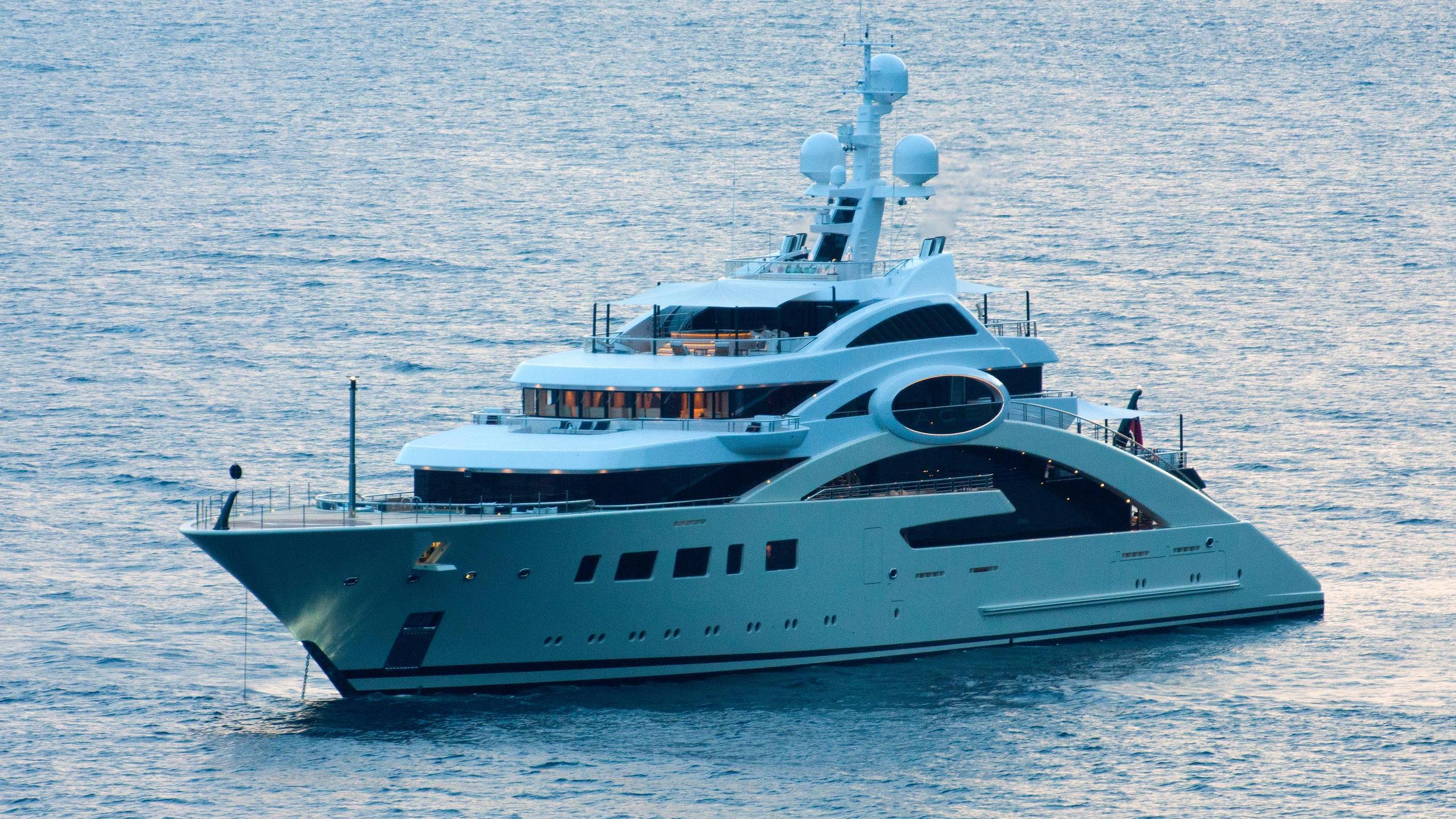 ace-motor-yacht-lurssen-2012-85m-half-profile