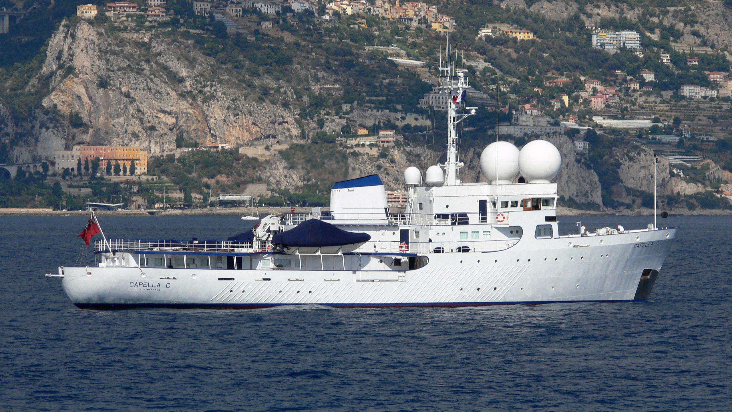 capella-c-explorer-yacht-scheepsbouwwerf-gebroeders-pot-1969-59m-profile