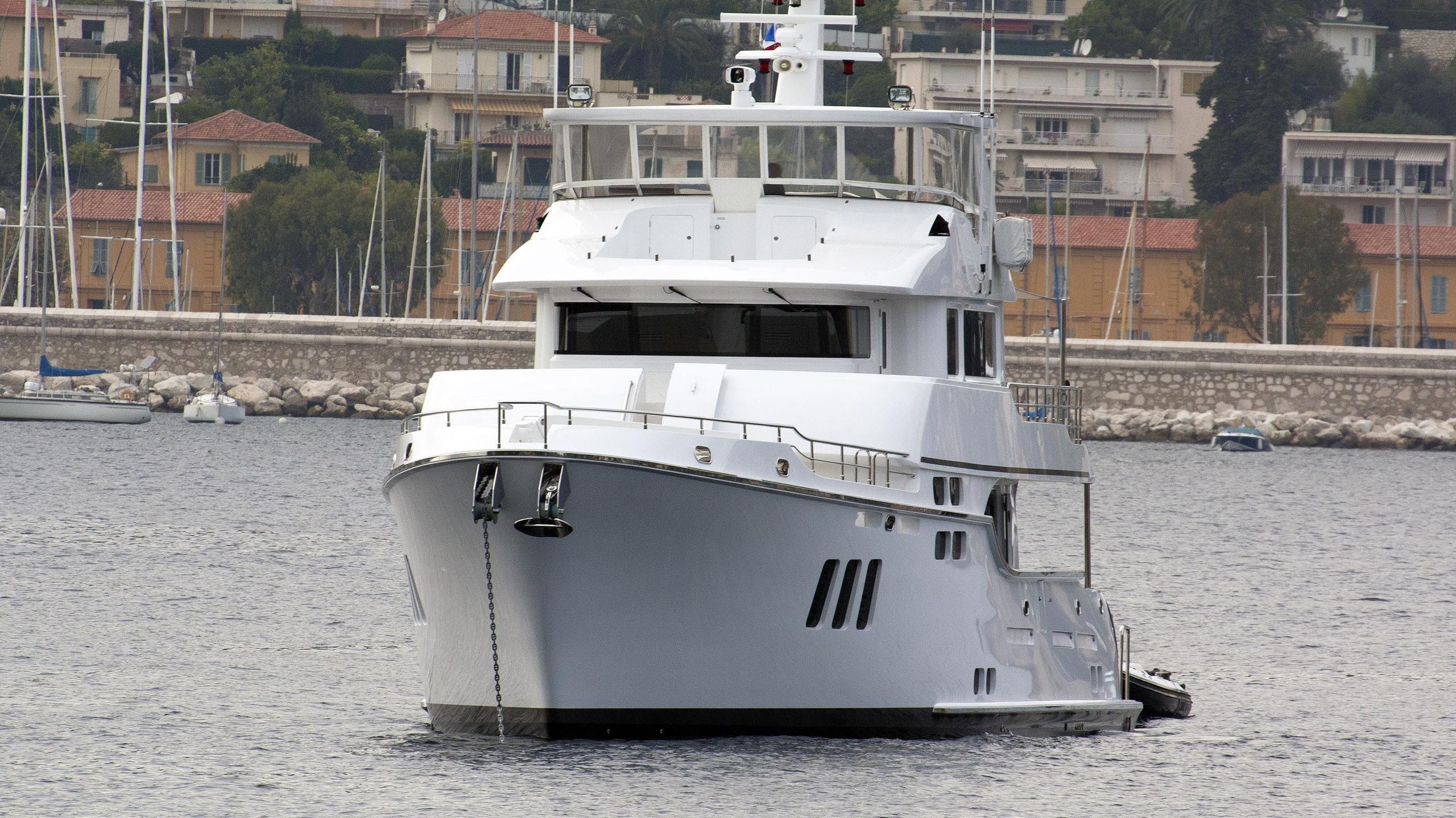 zembra-explorer-yacht-nordhavn-86-2012-27m-bow