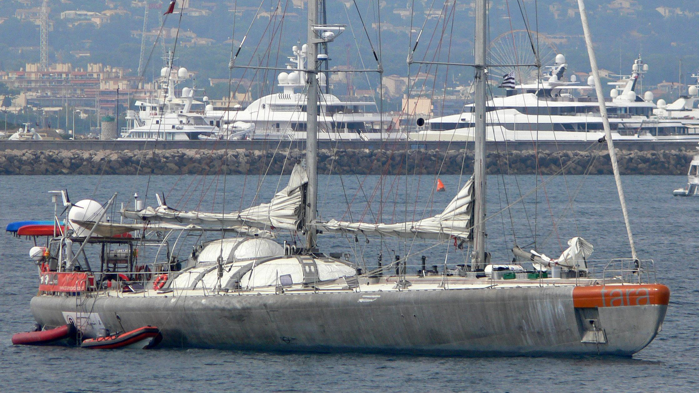 tara-half-sailing-yacht-sfcn-1989-36m-anchored