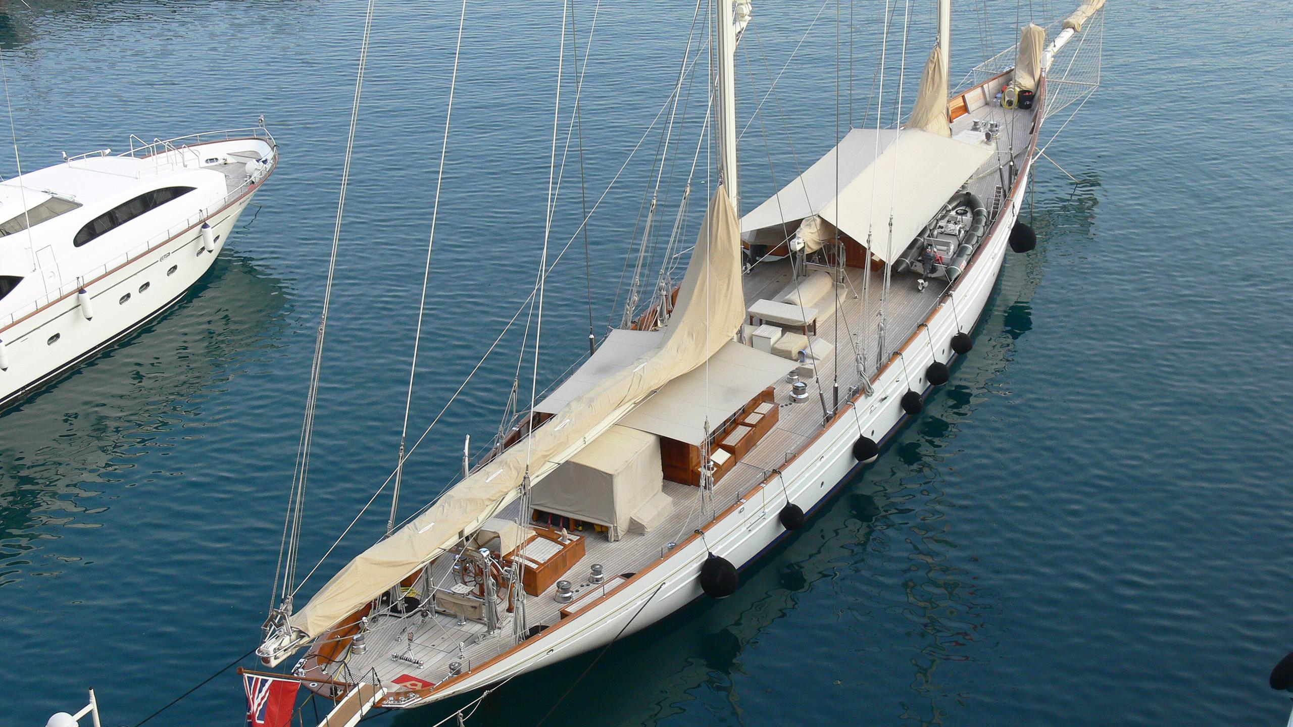 adela-sailing-yacht-pendennis-1995-55m-aerial-deck