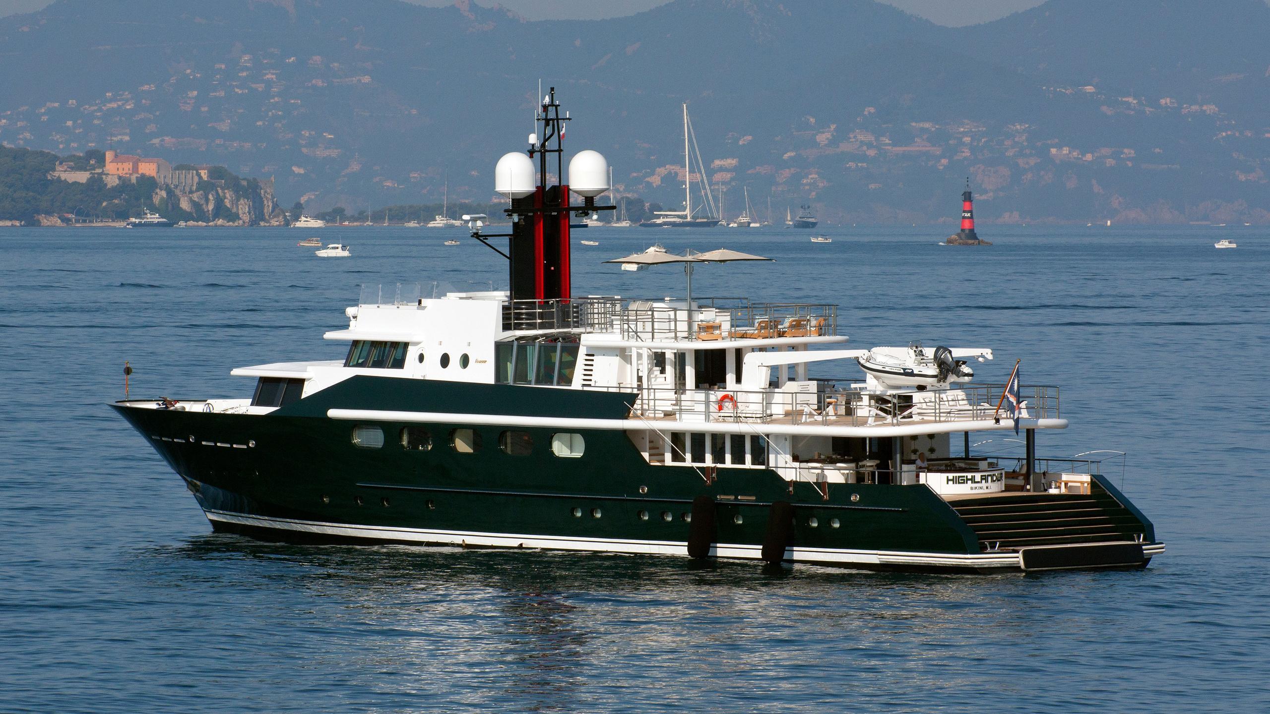 highlander-motor-yacht-feadship-1986-50m-half-stern