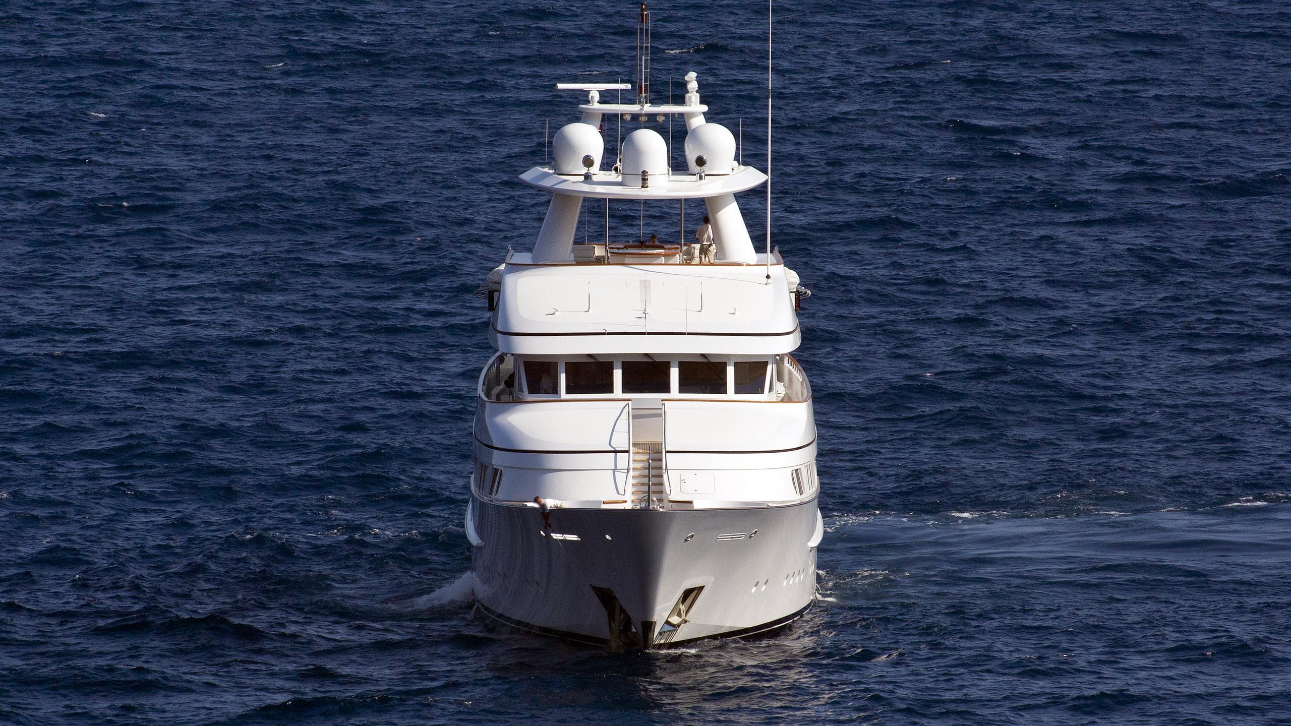 herculina-motor-yacht-feadship-1998-50m-bow