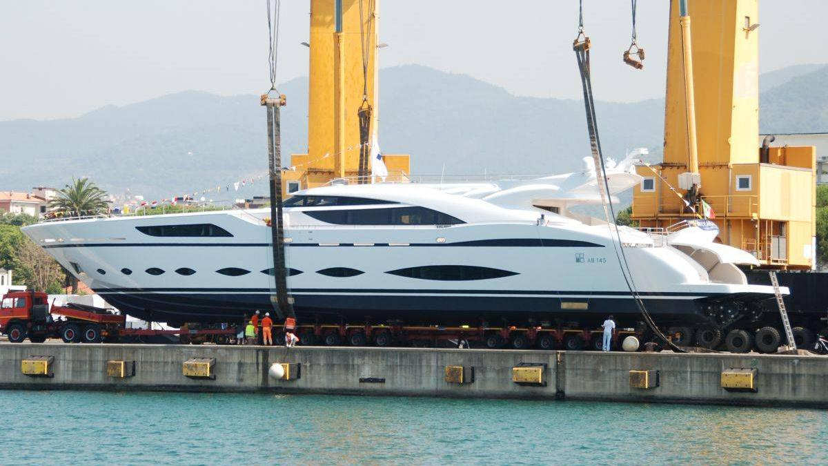 fast-and-furious-motor-yacht-ab-145-2015-44m-profile-shipyard
