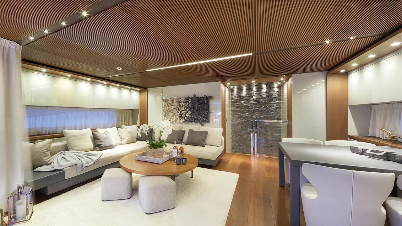 0-motor-yacht-sanlorenzo-2014-34m-sky lounge