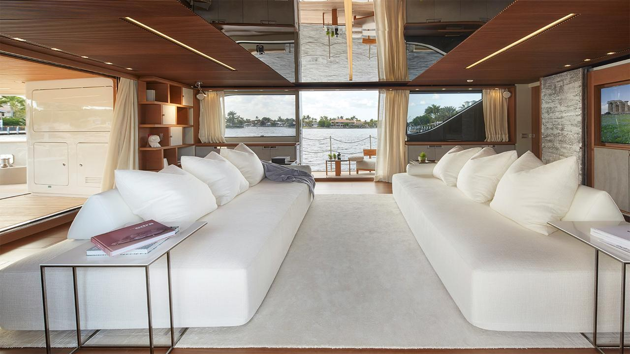 0-motor-yacht-sanlorenzo-2014-34m-saloon
