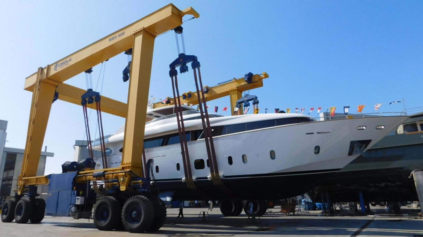 maiora-33fb-motor-yacht-2016-32m-launch-crane