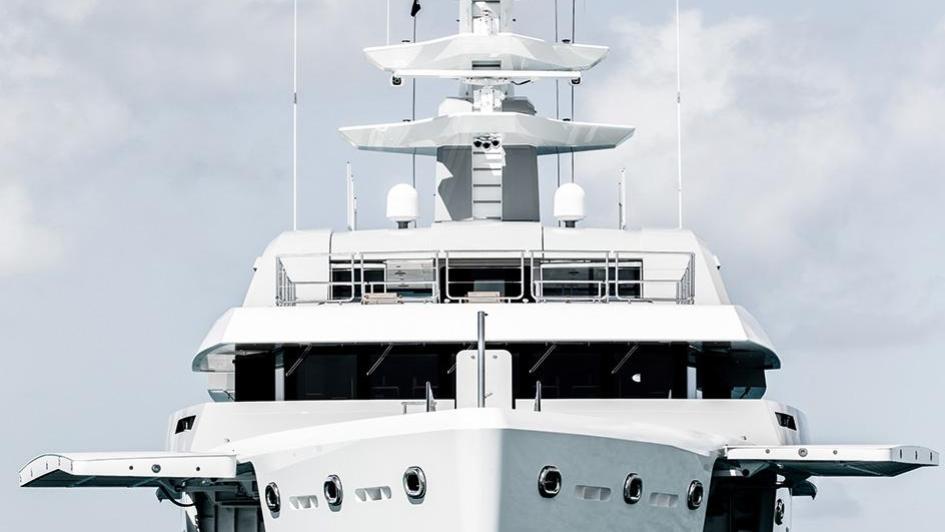 iroquois ester iii motor yacht lurssen 2014 66m bow