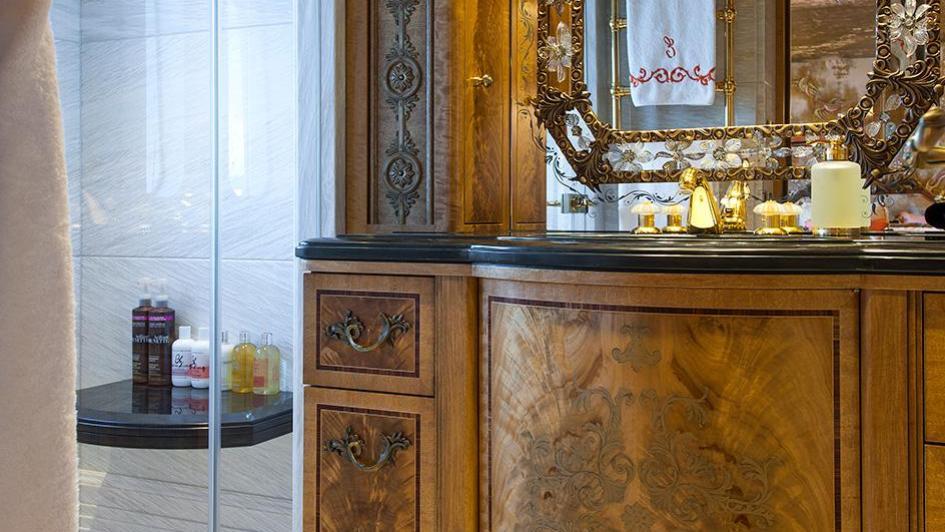 iroquois ester iii motor yacht lurssen 2014 66m bathroom