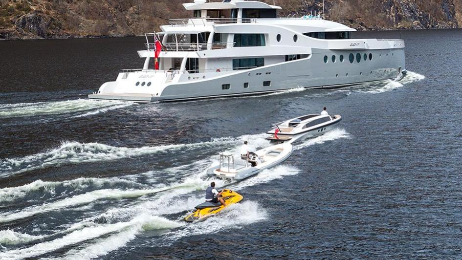 event-motor-yacht-amels-199-2013-62m-tenders