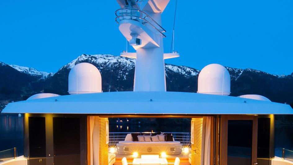 event-motor-yacht-amels-199-2013-62m-jacuzzi