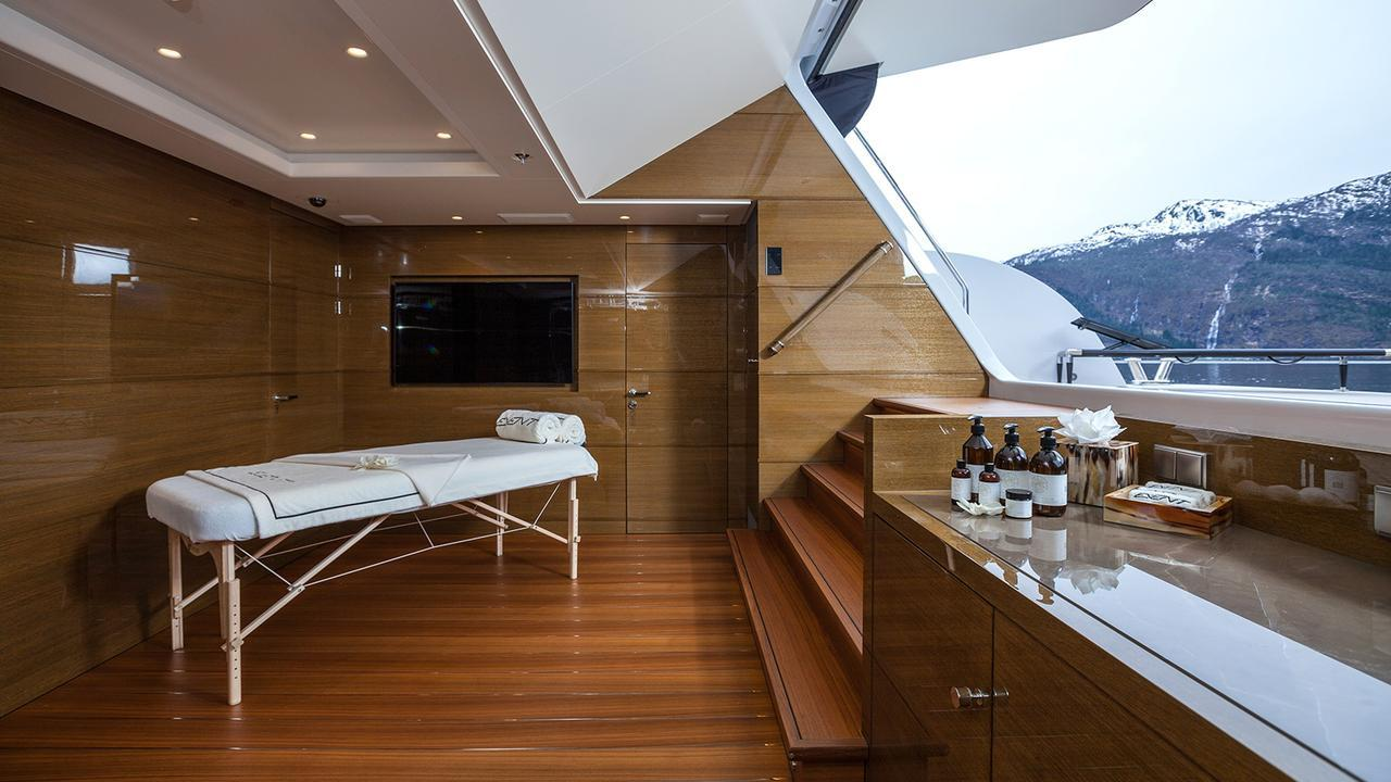 event-motor-yacht-amels-199-2013-62m-spa