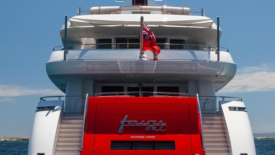 forever-one-motor-yacht-isa-2014-55m-stern