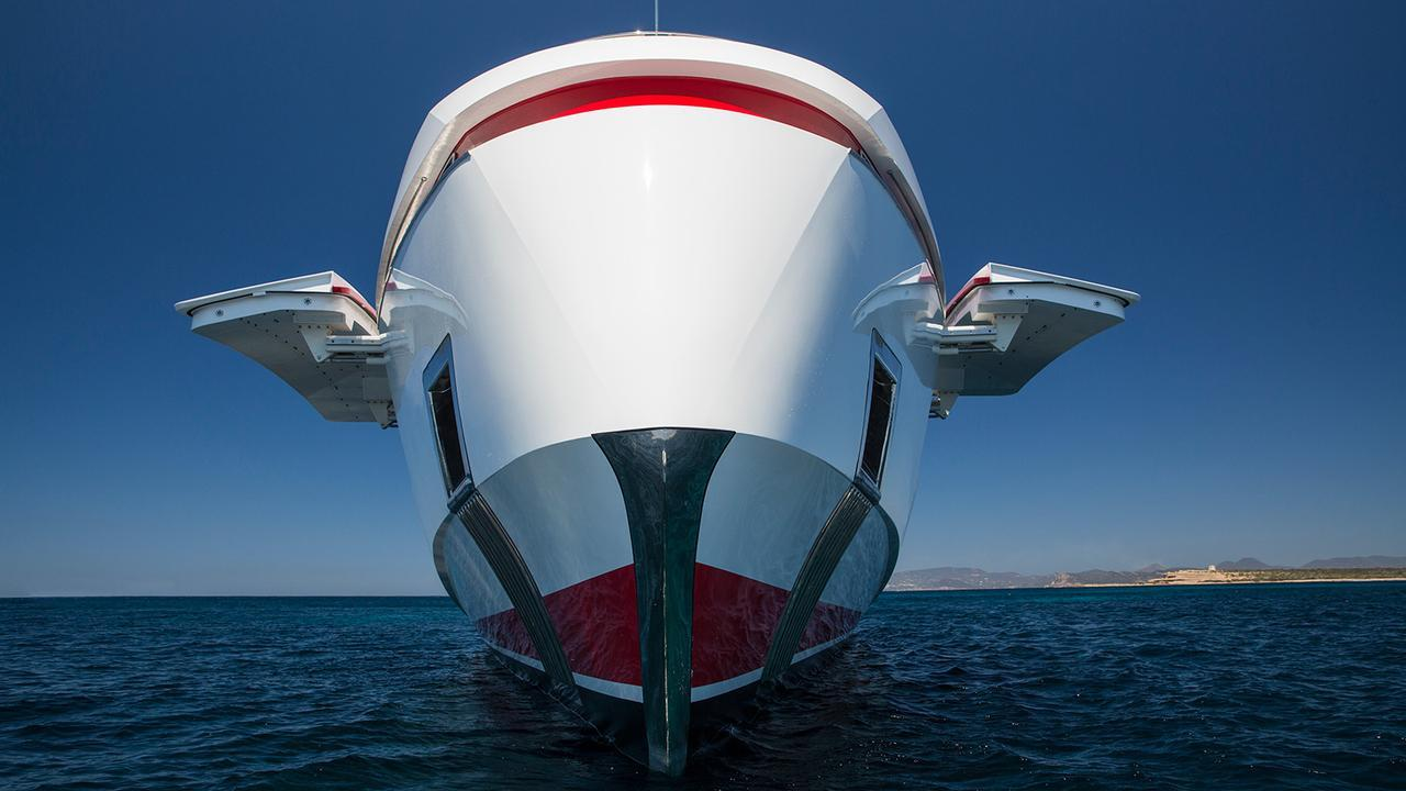 forever-one-motor-yacht-isa-2014-55m-bow