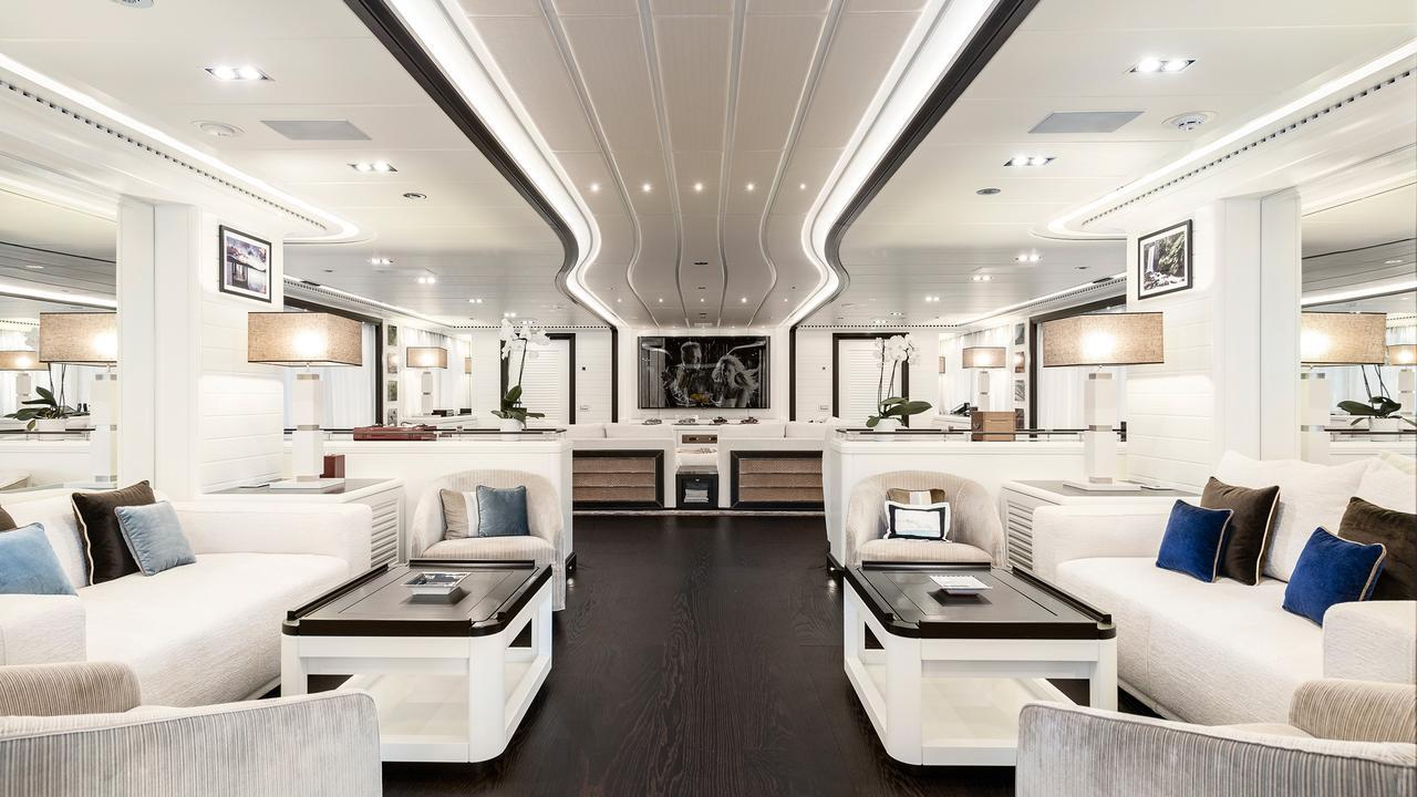 forever-one-motor-yacht-isa-2014-55m-saloon