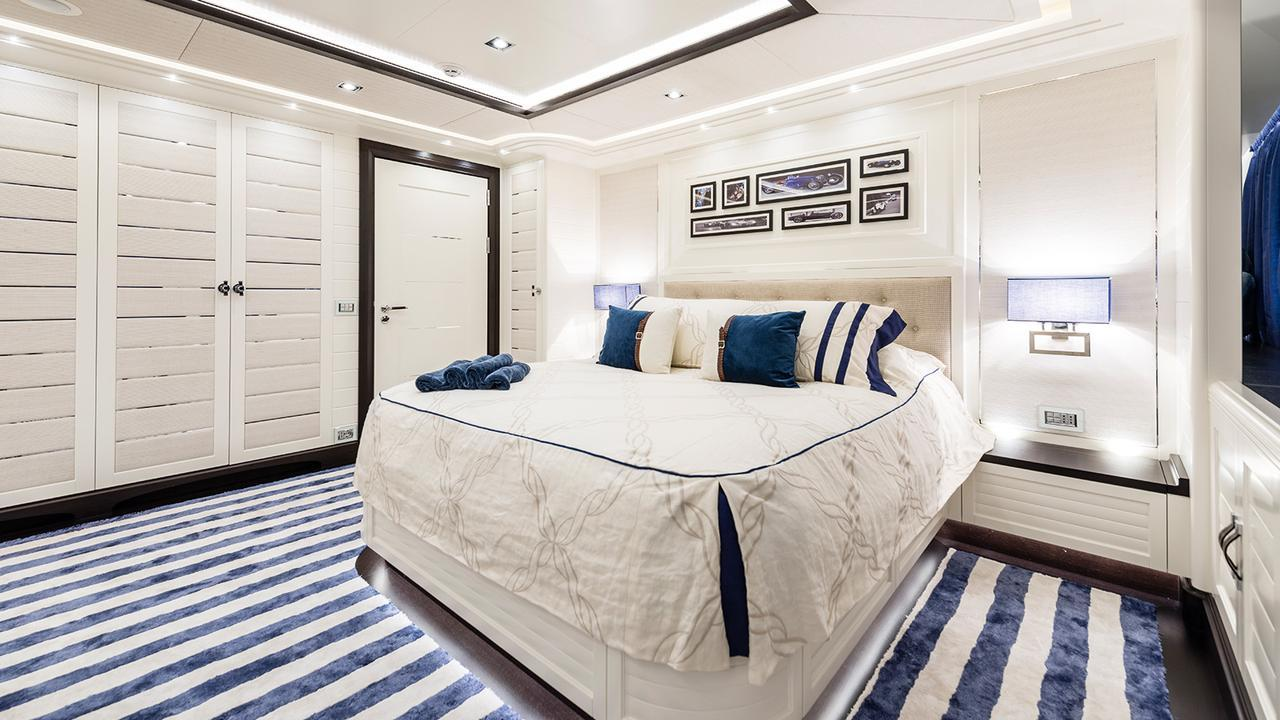 forever-one-motor-yacht-isa-2014-55m-cabin