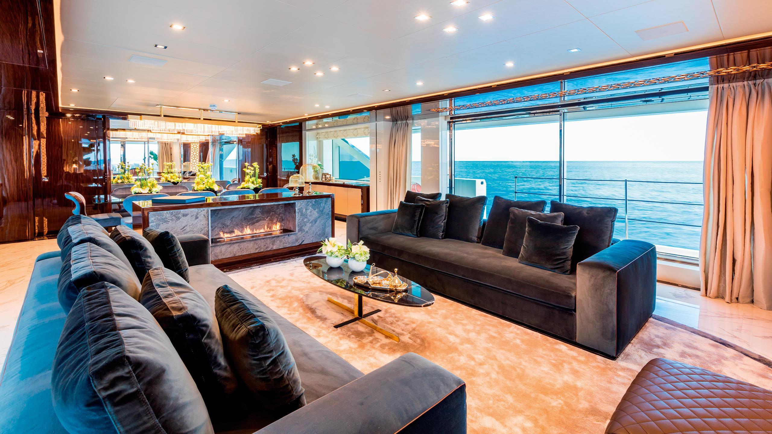 serenity-motor-yacht-mondomarine-2015-42m-saloon