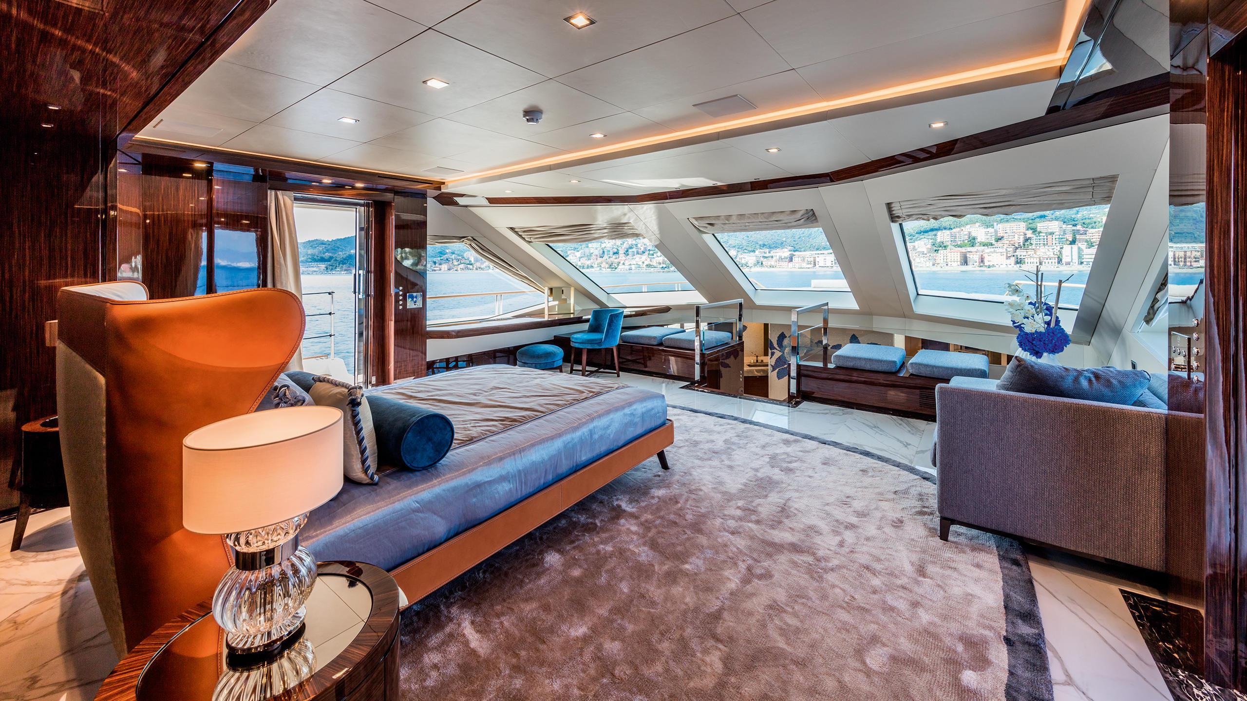 serenity-motor-yacht-mondomarine-2015-42m-state-room