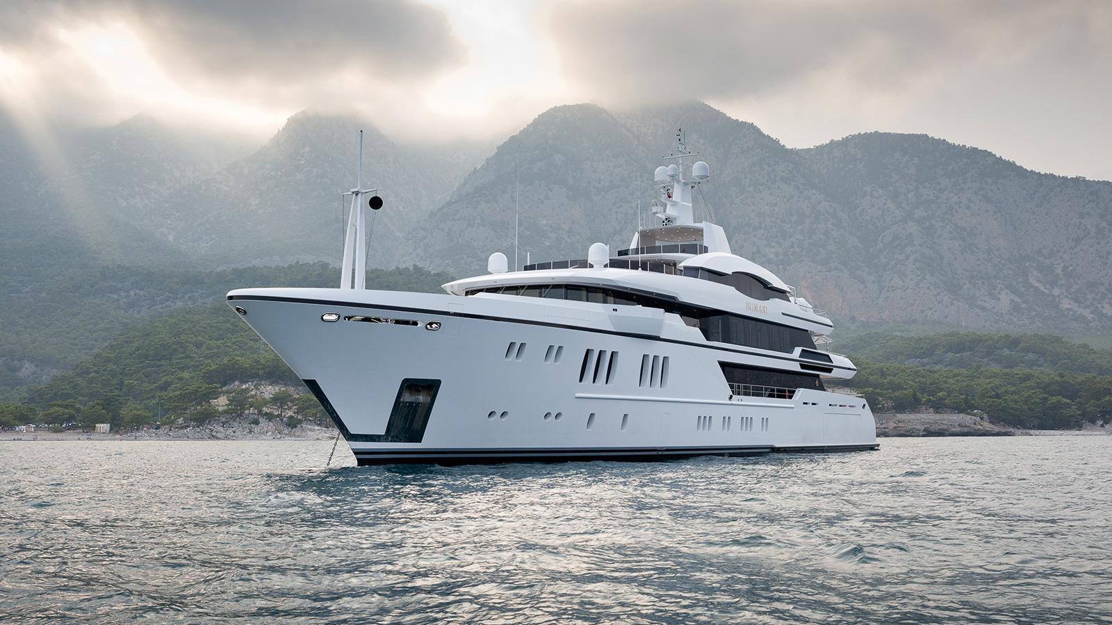 irimari-motor-yacht-sunrise-2015-63m-side-bow
