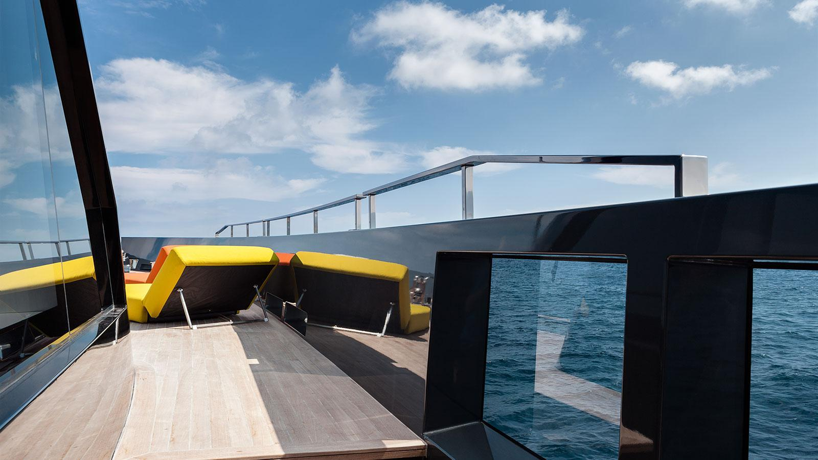 forever logica 147 motor yacht 2014 45m detail side deck
