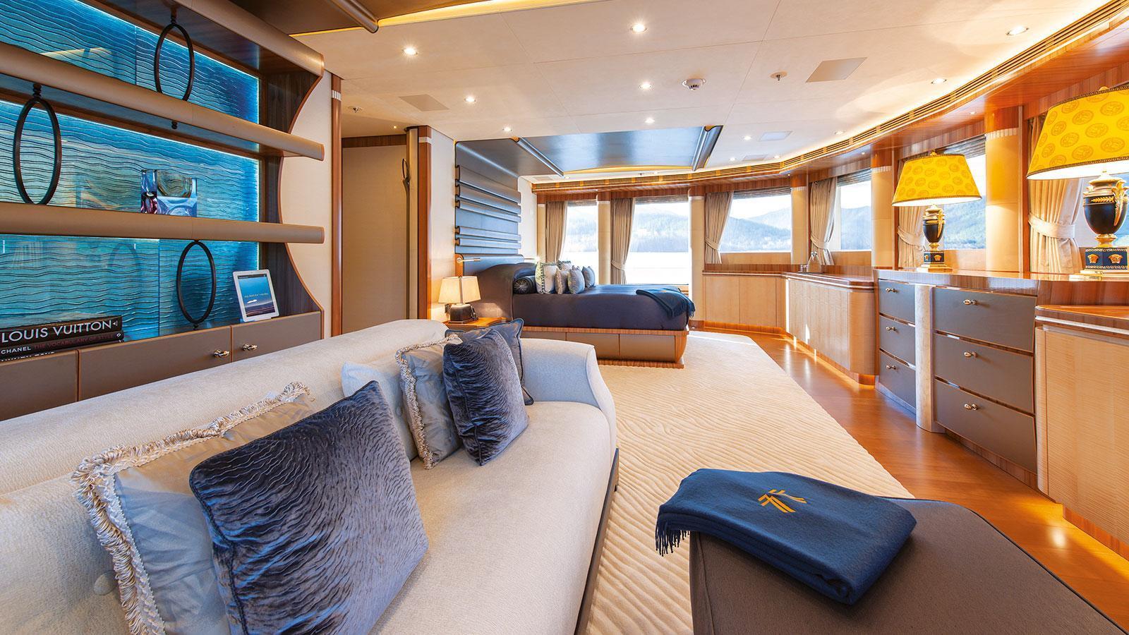 quattroelle-motor-yacht-lurssen-2013-86m-master-suite