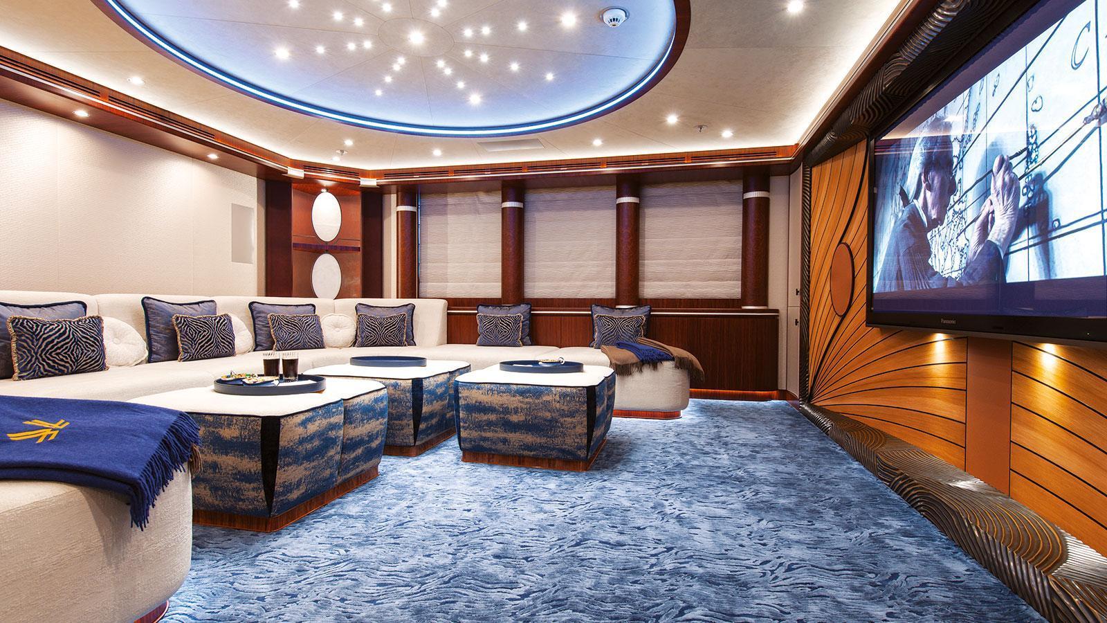 quattroelle-motor-yacht-lurssen-2013-86m-cinema