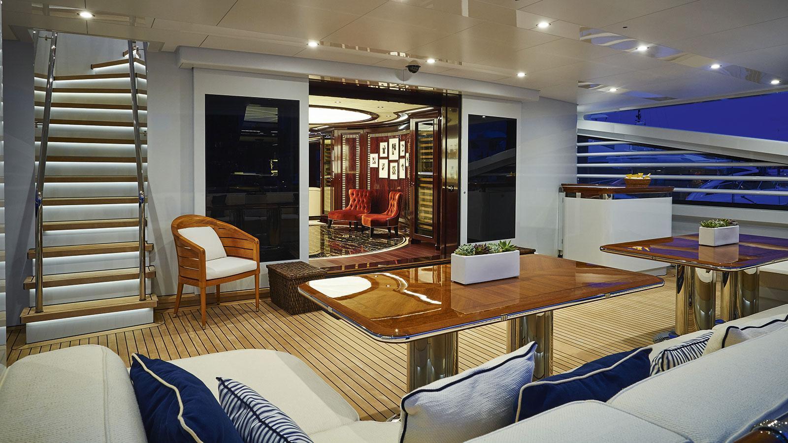 rock-it-motor-yacht-feadship-2014-60m-main-deck-aft