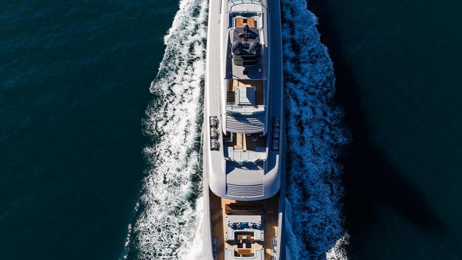 silver-fast-motor-yacht-2015-77m-cruising-aerial