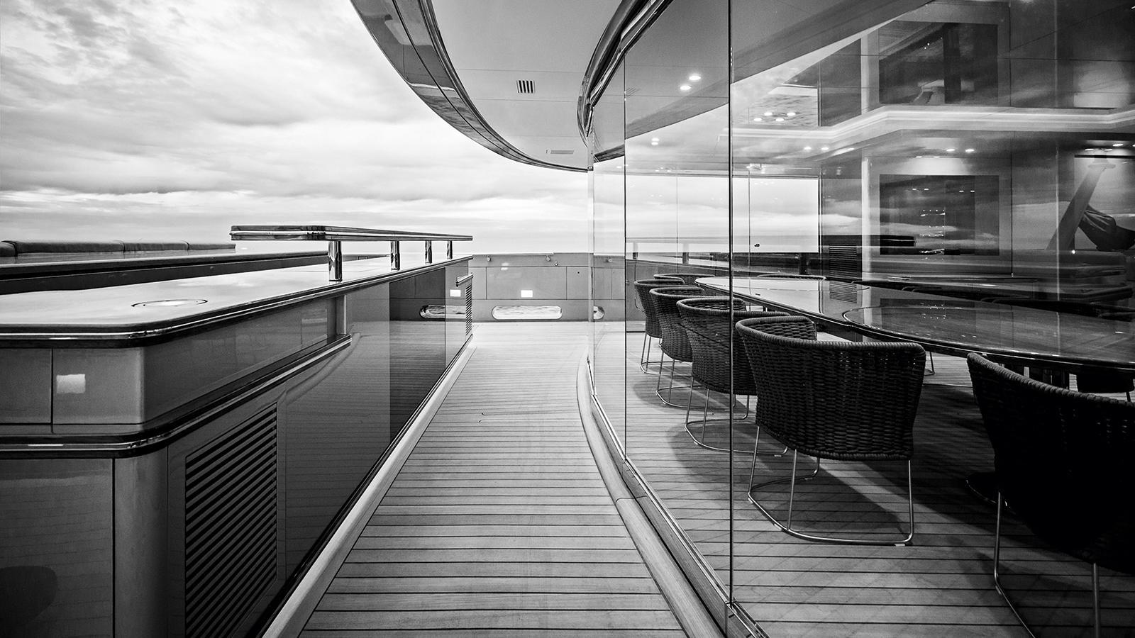 silver-fast-motor-yacht-2015-77m-indoor-outdoor