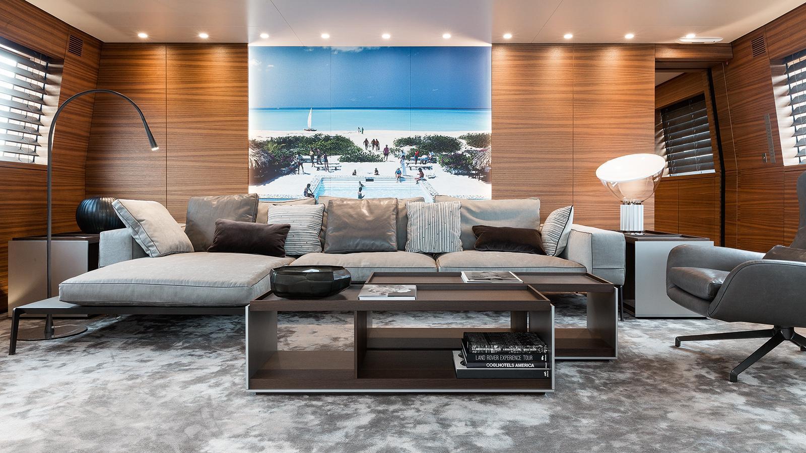 silver-fast-motor-yacht-2015-77m-saloon