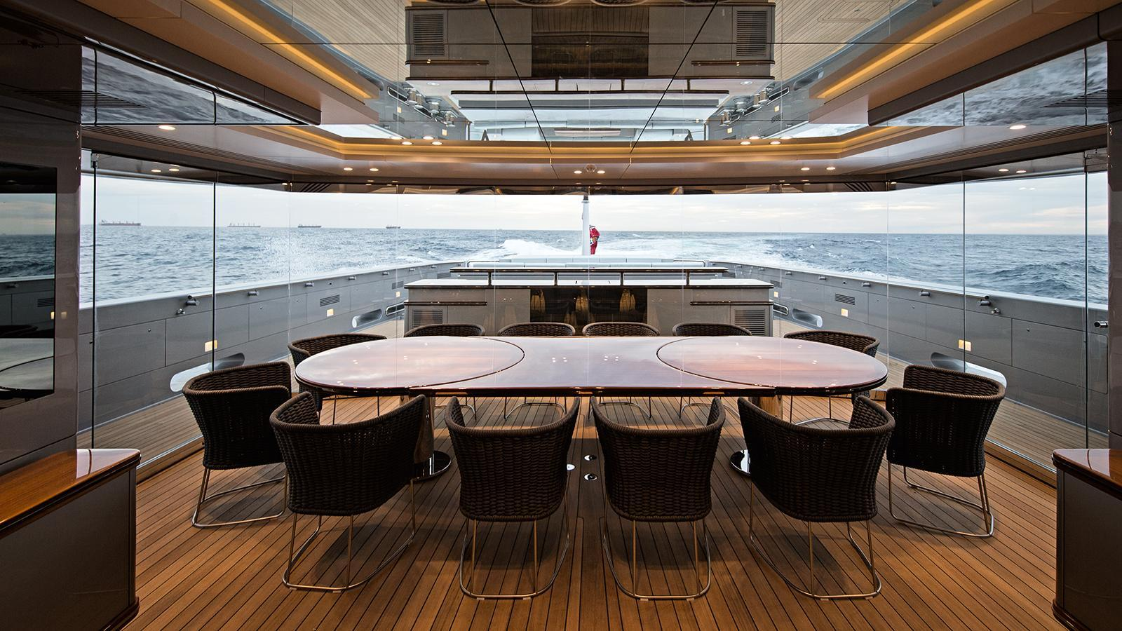 silver-fast-motor-yacht-2015-77m-covered-deck-dining