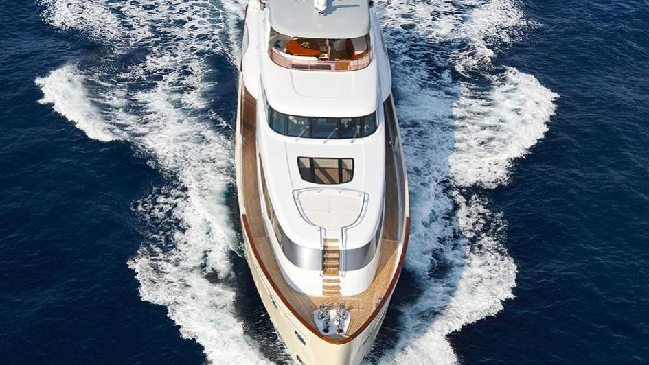 solis-motor-yacht-mulder-2015-34m-aerial-bow