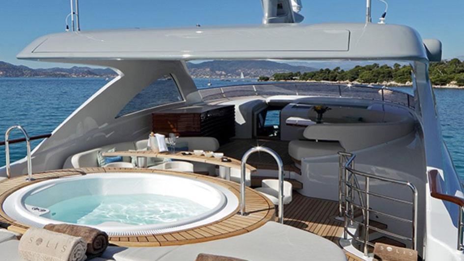 solis-motor-yacht-mulder-2015-34m-jacuzzi