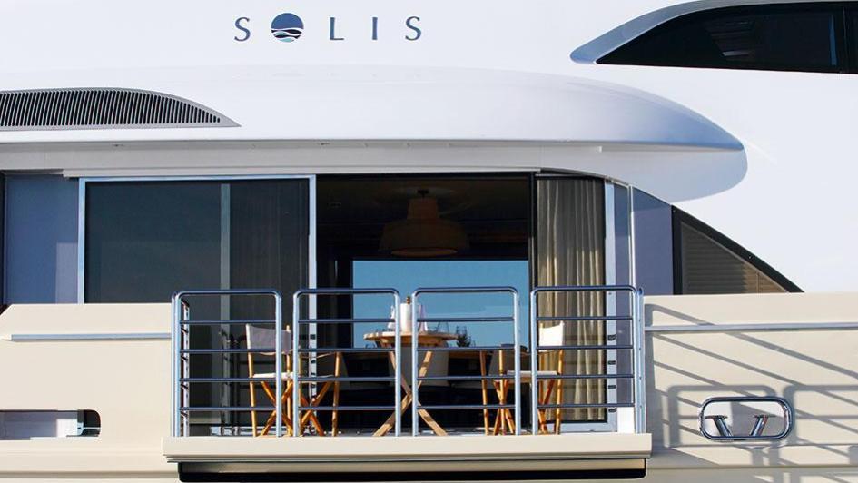 solis-motor-yacht-mulder-2015-34m-balcony