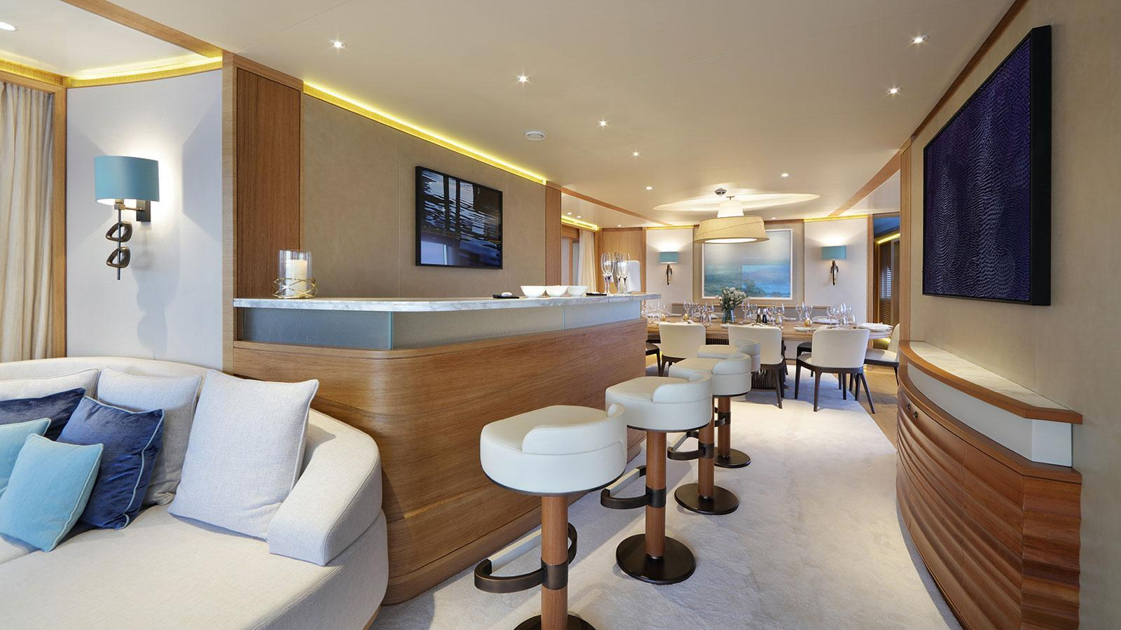solis-motor-yacht-mulder-2015-34m-bar