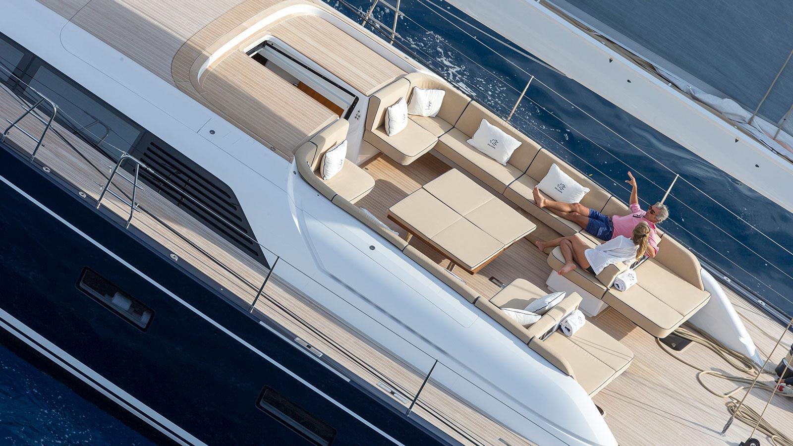 solleone-motor-yacht-nautors-swan-115-s-2015-35m-cockpit