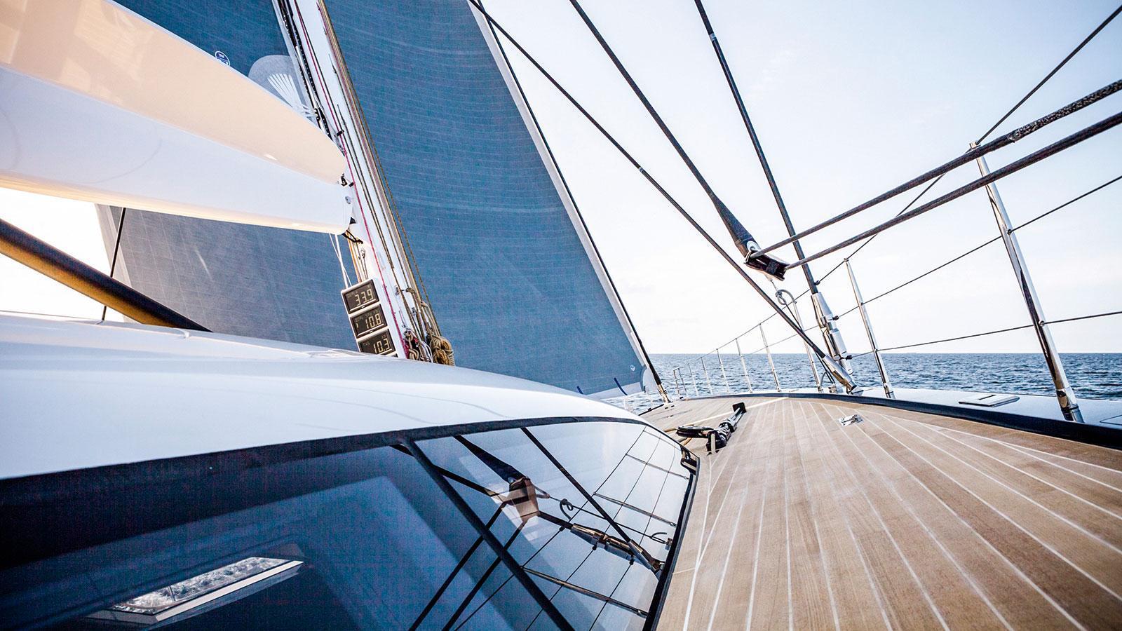 solleone-motor-yacht-nautors-swan-115-s-2015-35m-detail-deck