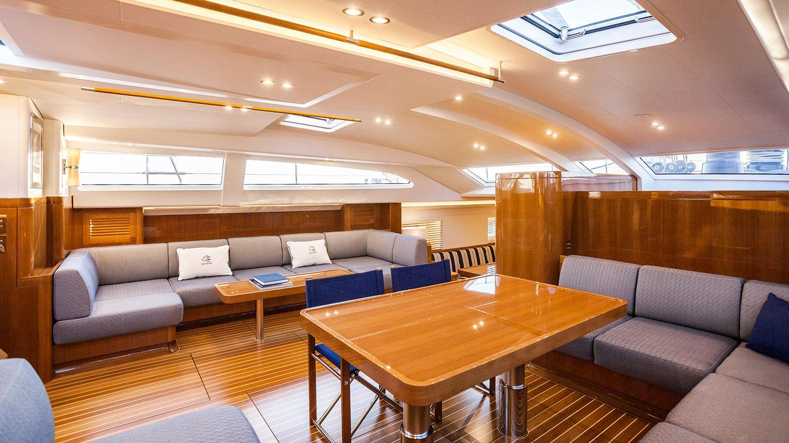 solleone-motor-yacht-nautors-swan-115-s-2015-35m-saloon