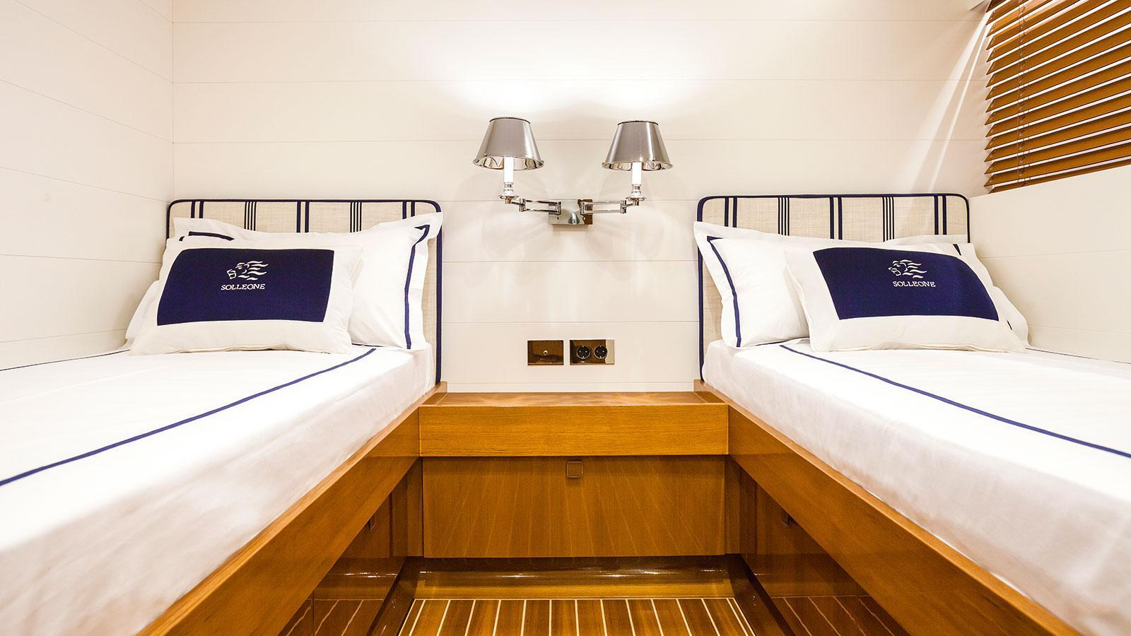 solleone-motor-yacht-nautors-swan-115-s-2015-35m-twin-guest-cabin