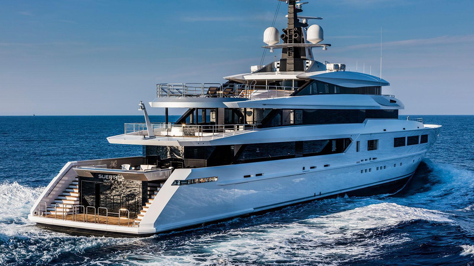 suerte-motor-yacht-tankoa-2015-69m-half-stern