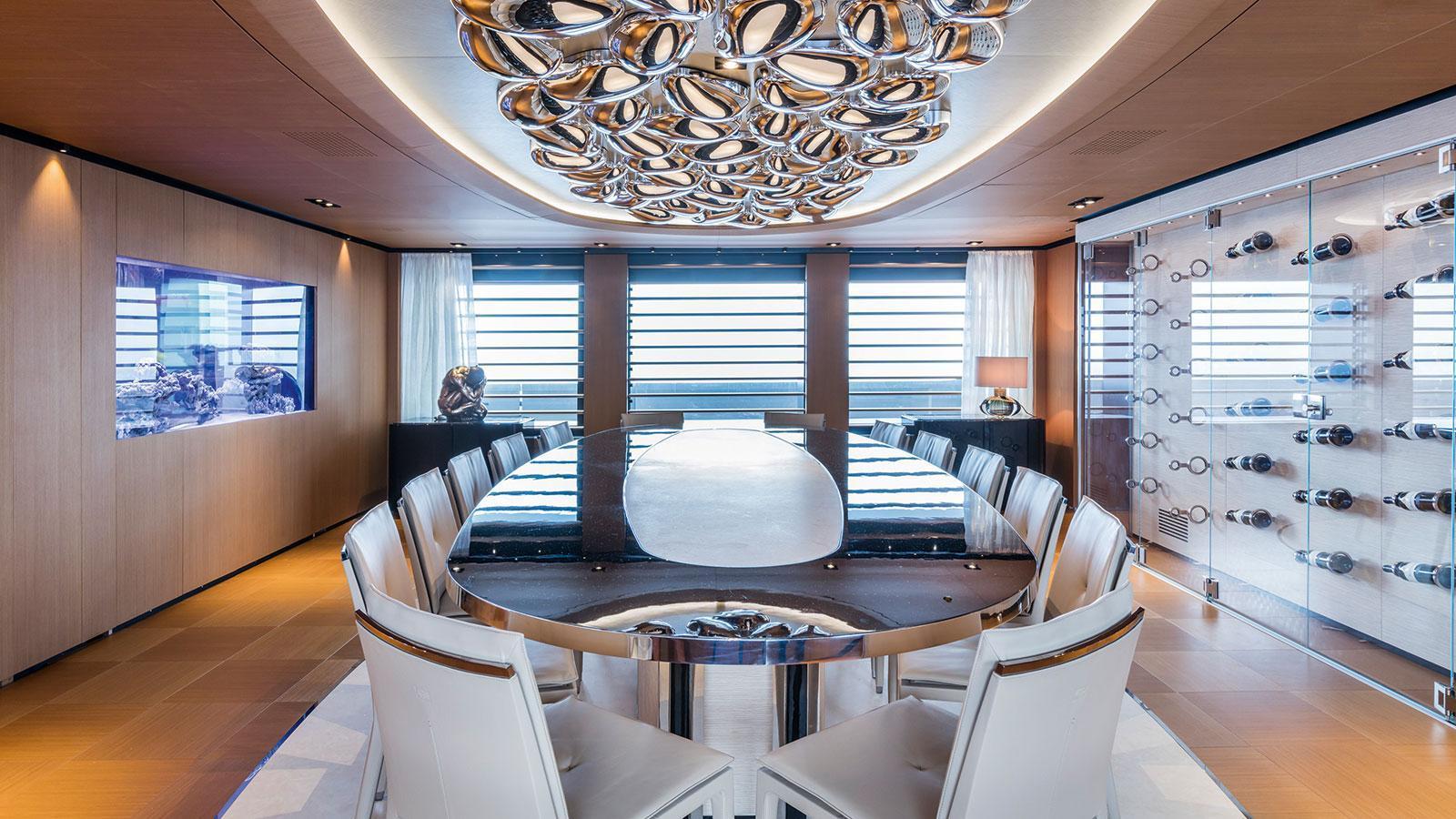 suerte-motor-yacht-tankoa-2015-69m-dining