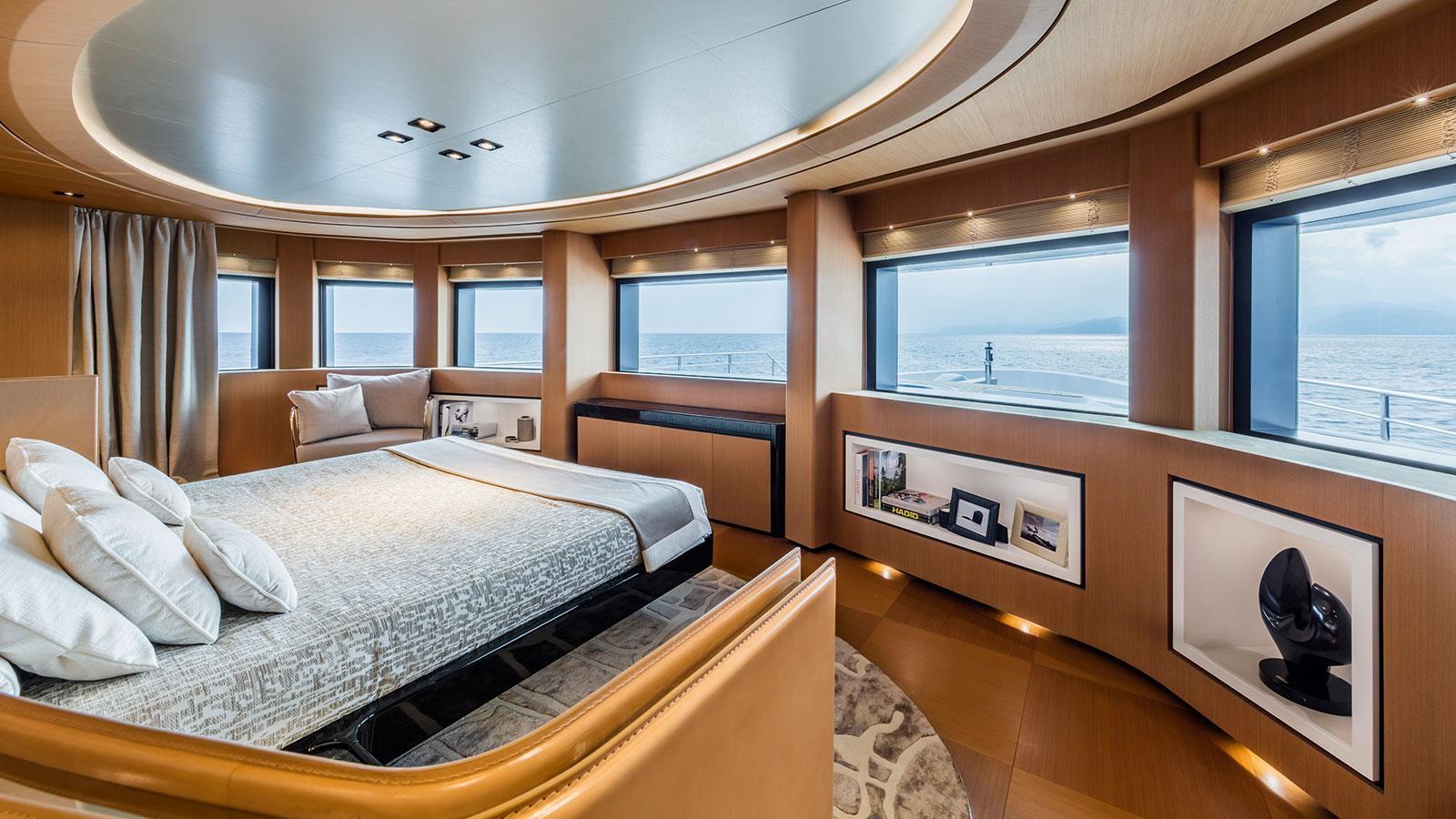 suerte-motor-yacht-tankoa-2015-69m-state-room