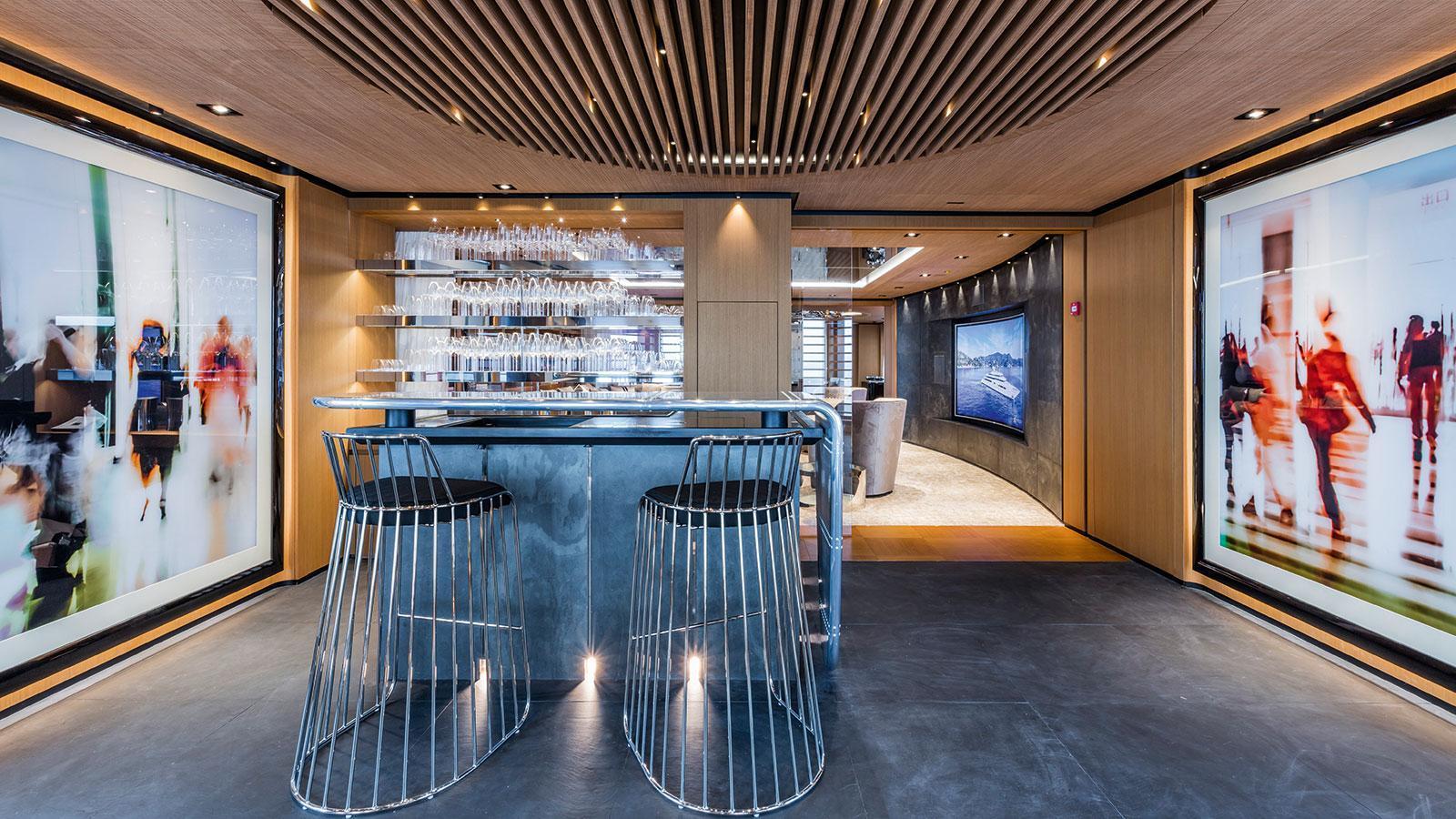 suerte-motor-yacht-tankoa-2015-69m-lobby