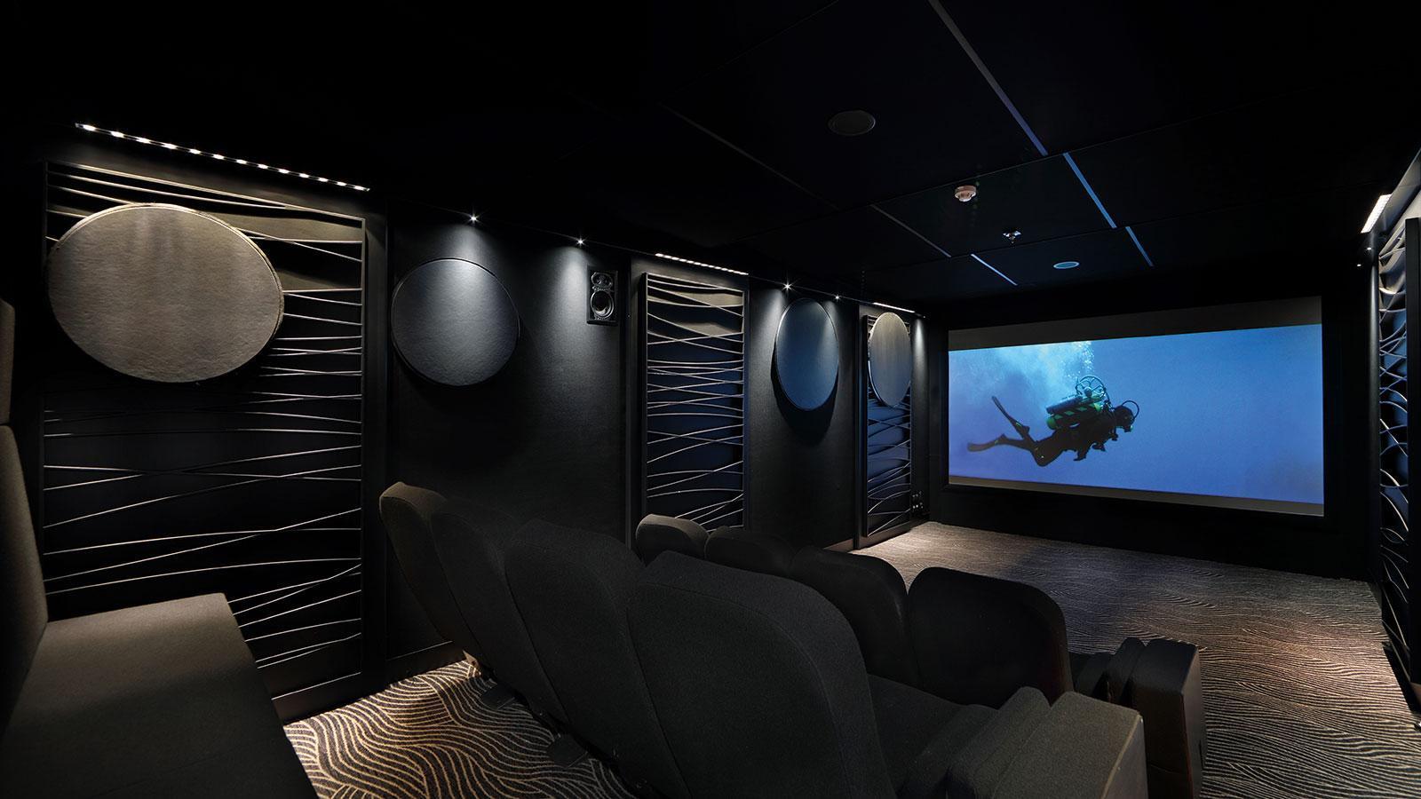yersin-explorer-yacht-piriou-2015-77m-cinema