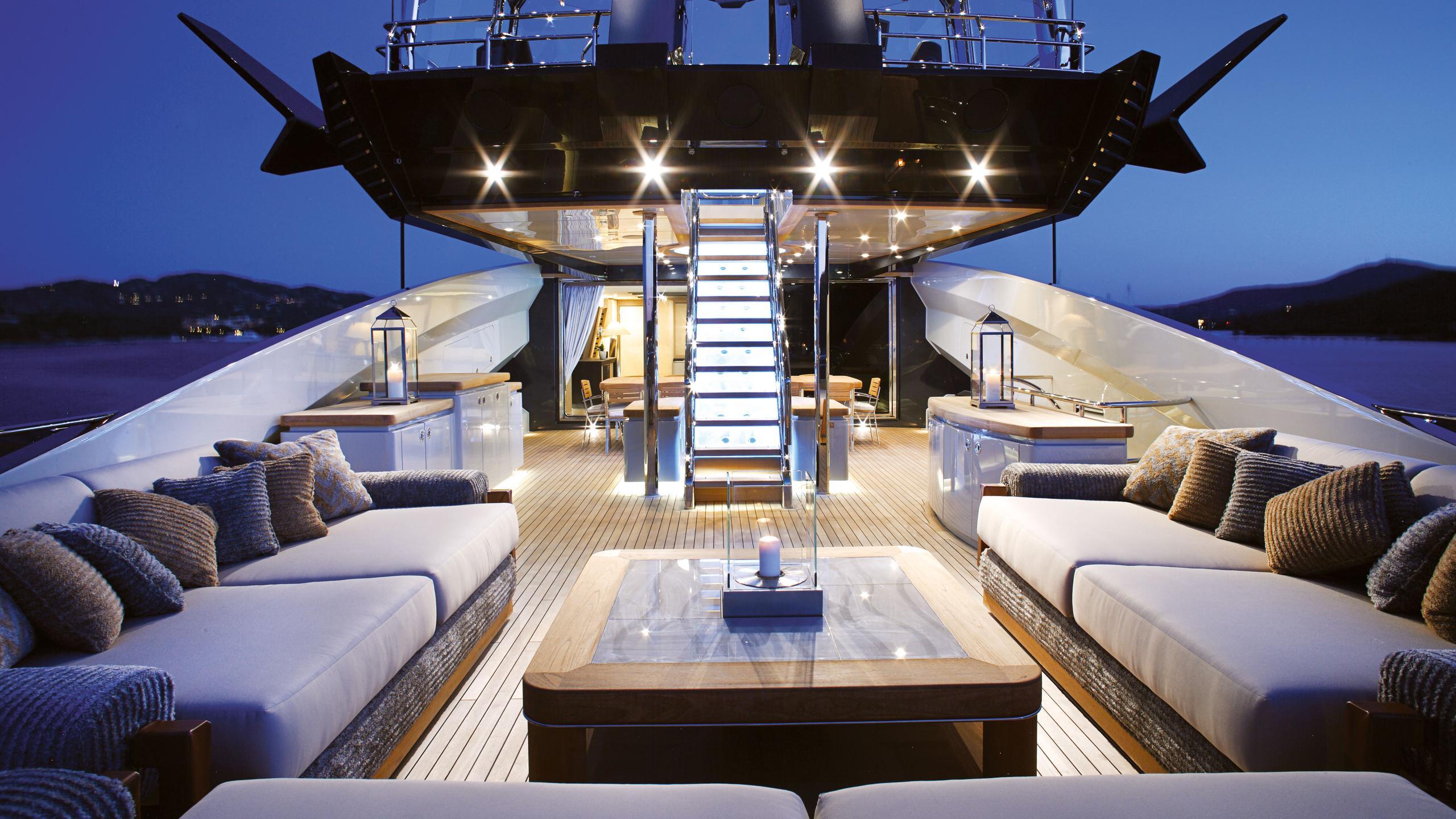 lady-m-motor-yacht-palmer-johnson-2013-64m-bridge-deck