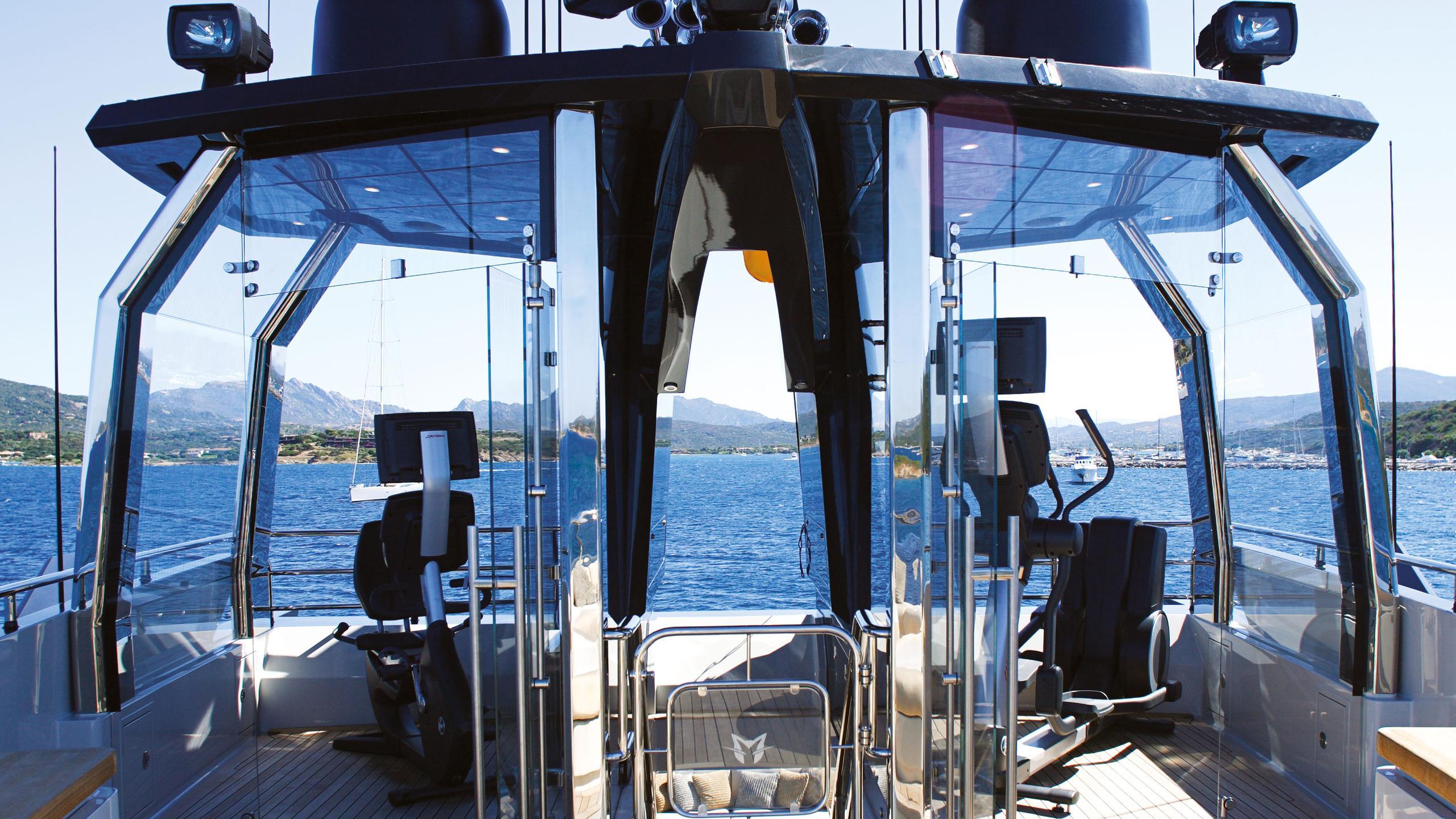 lady-m-motor-yacht-palmer-johnson-2013-64m-flybridge-gym