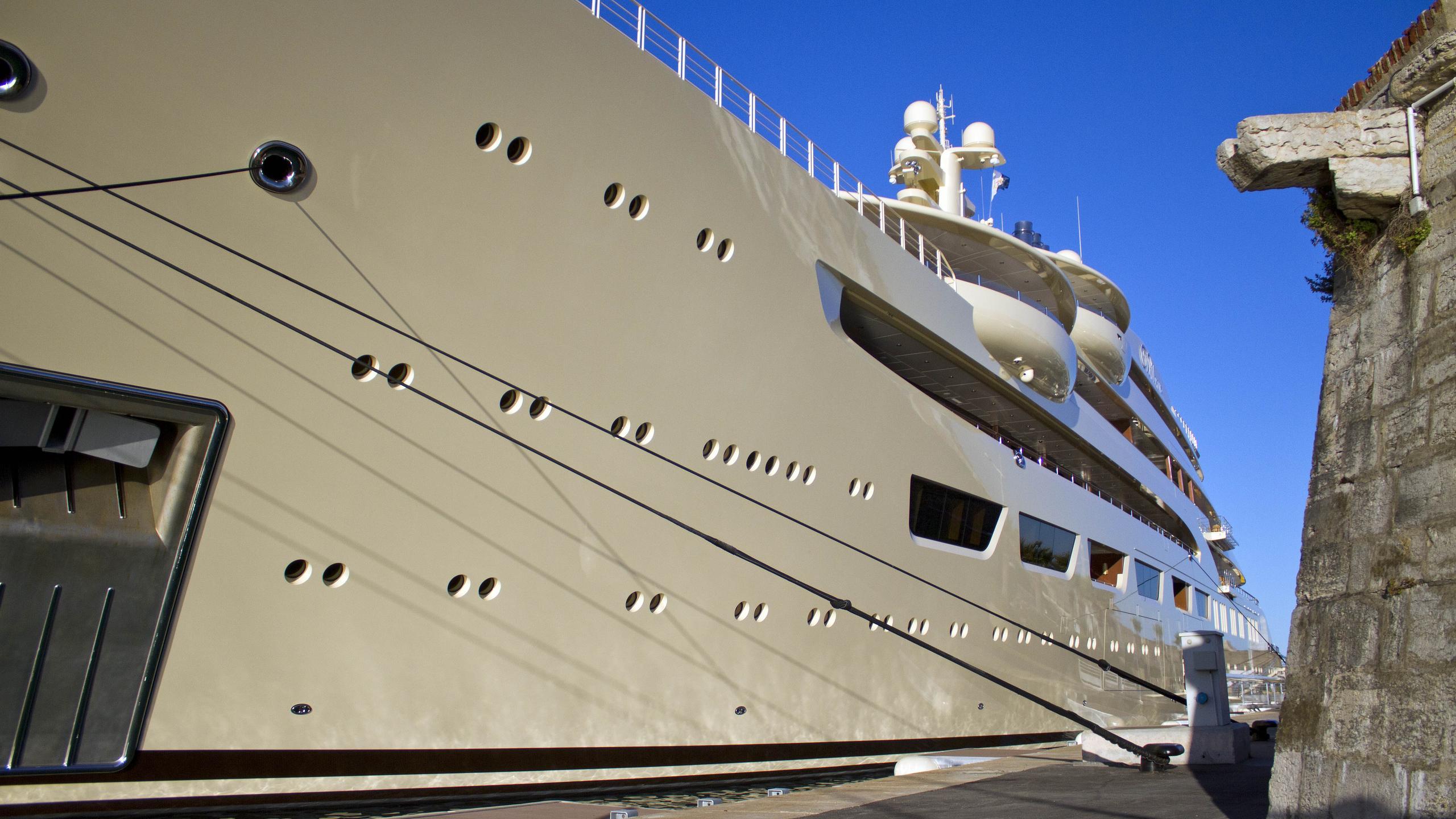 dilbar-motor-yacht-lurssen-2016-156m-side-details