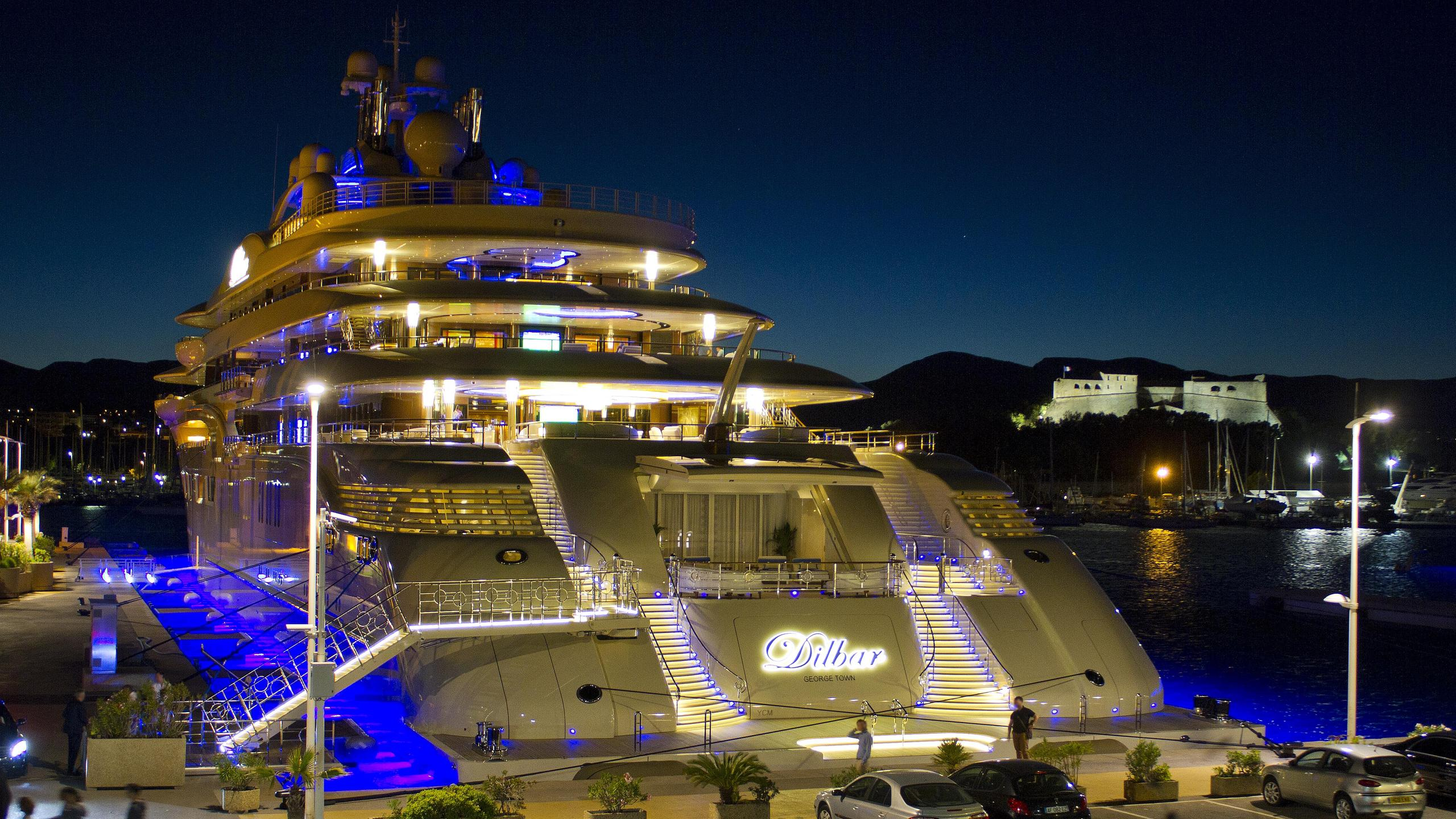 dilbar-motor-yacht-lurssen-2016-156m-stern-by-night